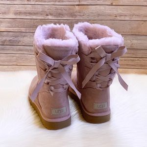 UGG Short Continuity Bow Boots In Pink Crystal